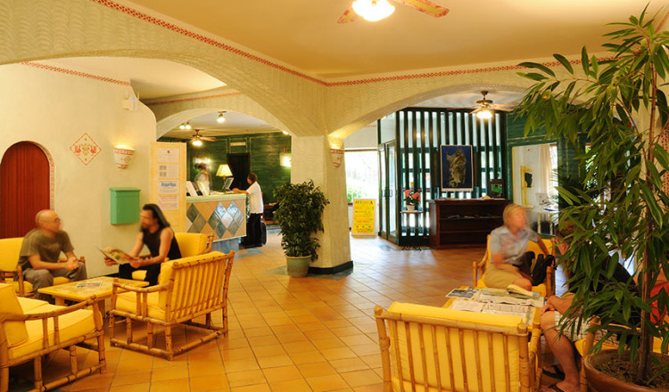 Hall Hotel Rocce Sarde