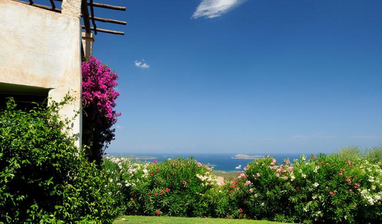 Hotel Rocce Sarde vista sul golfo di Cugnana