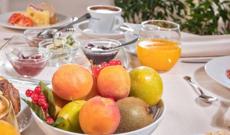 Frutta fresca a colazione